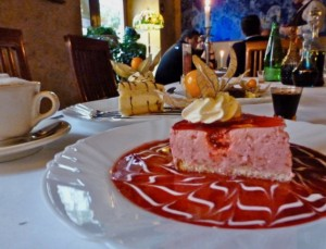 Pod Baranem Berry Mousse Cheesecake, Vodkas - copyright Wanda Hennig